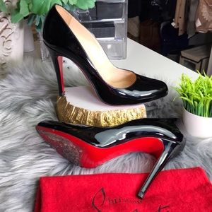 Auth Christian Louboutin Fifille Patent Pumps 👠